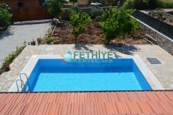 Korunaklı Havuzlu Yazlık Villa 01