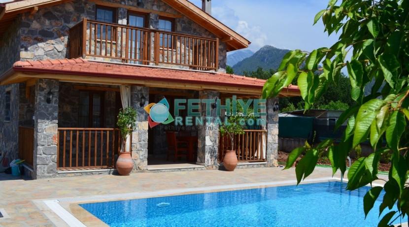 Korunaklı Havuzlu Yazlık Villa 14