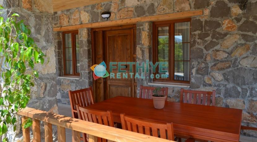 Korunaklı Havuzlu Yazlık Villa 25