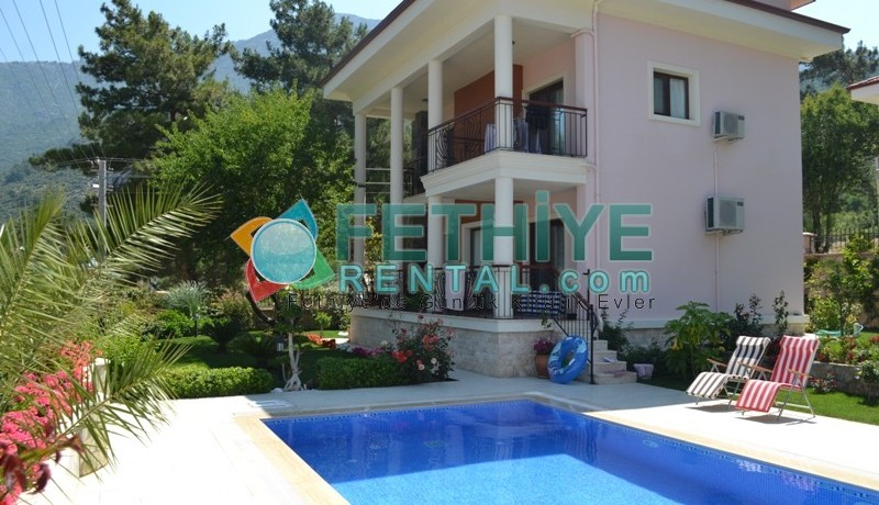 Özel Havuzlu Kiralık Yazlık Villa 04