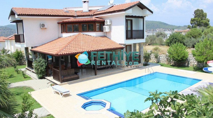 Kiralık Yazlık Eşyalı Villa