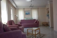 4 Yatak Odalı Denize Yakın Kiralık Müstakil Villa