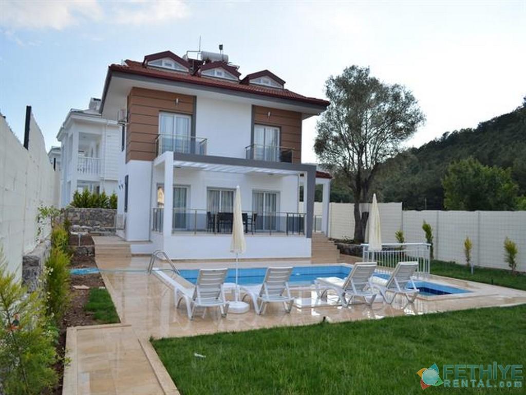 Havuzu Görünmeyen Müstakil Havuzlu Villa